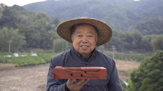 一位名叫阿木爷爷的中国老人成Youtube网红